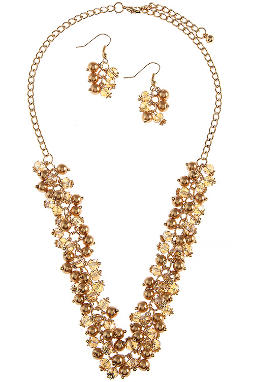 HN9831 GOLD PEARL AND CRYSTAL CLUSTER NECKLACE SET