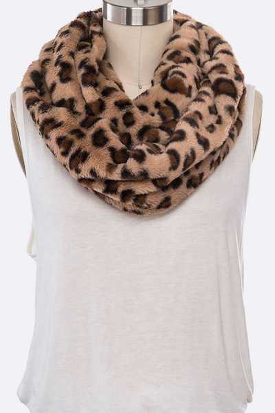 Faux Fur Plushy Leopard Printed Scarf Set