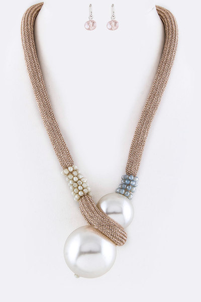 Jumbo Pearls Toggle Necklace Set