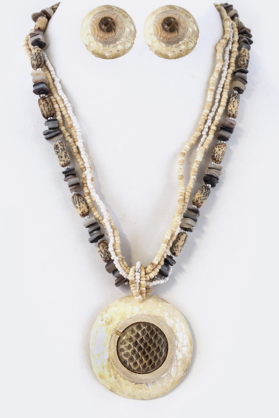 Mix Media Natural Pendant Necklace Set