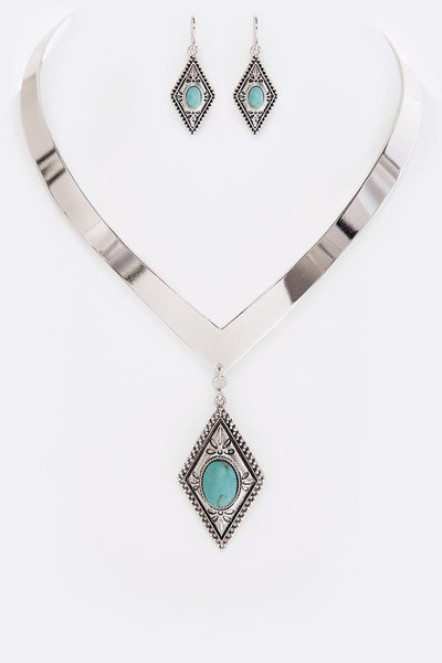 V Shape Iconic Collar Necklace Set