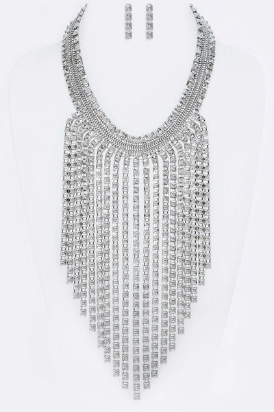 Boxed Chain Iconic Fringe Long Necklace Set