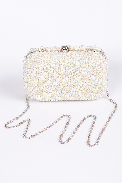 Pearl Bead Clutch With Chain Details