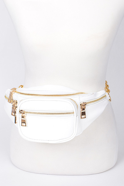 Plain Fanny Pack With Zipper And Chain Details.