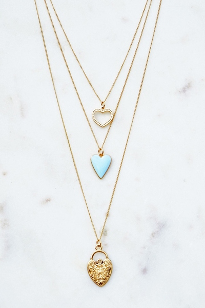 SIMPLE AND ELEGANT HEART STYLE NECKLACE
