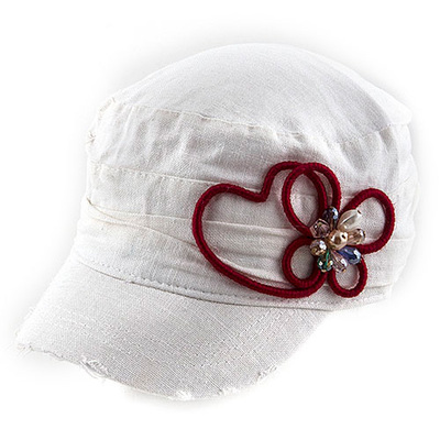 THREAD WRAPPED HEART ORNATE ACCENT SHORT BRIM CAP