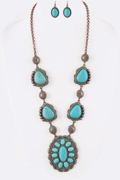 Stone Concho Necklace Set
