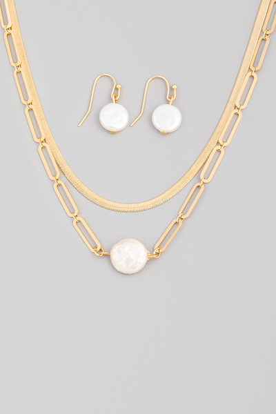 Layered Flat Pearl Pendant Necklace Set