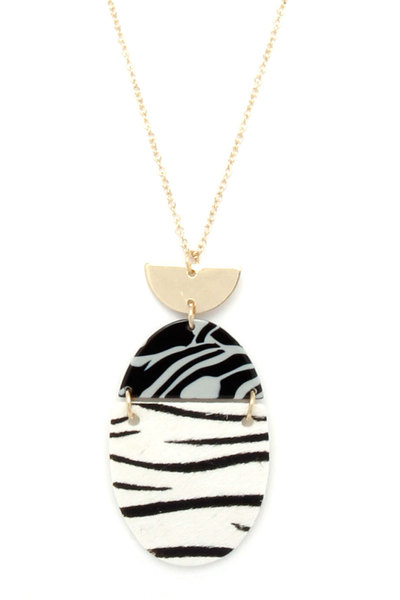 ANIMAL PRINT OVAL SHAPE PENDANT NECKLACE