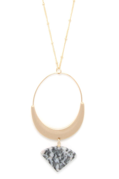 OVAL SHAPE STONE TRIANGLE PENDANT NECKLACE
