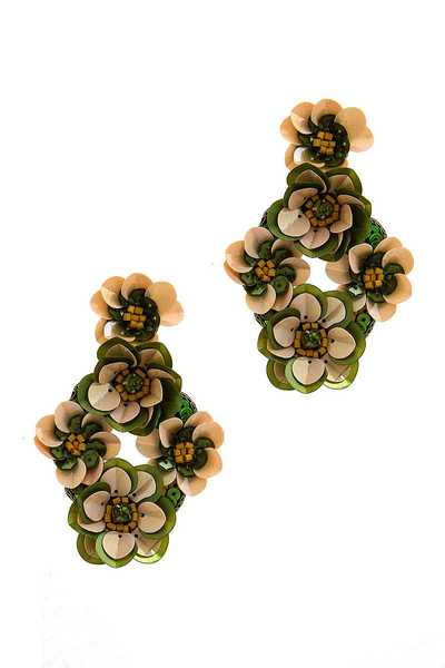 MULTI FLOWER CHIC DROP EARRING