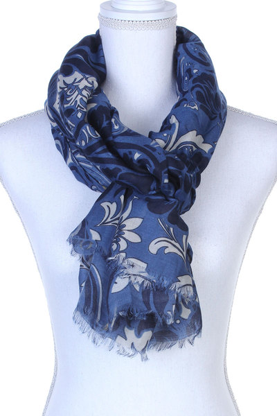 FILIGREE PATTERN FRAY TRIM OBLONG SCARF