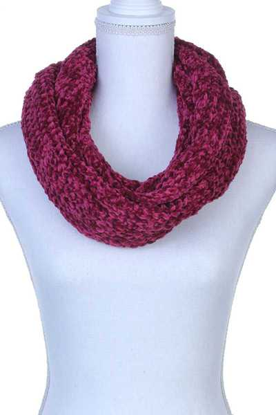 KNITTED SOFT SCARF