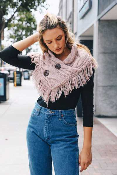 HEATHER FRINGE SHOULDER WARMER