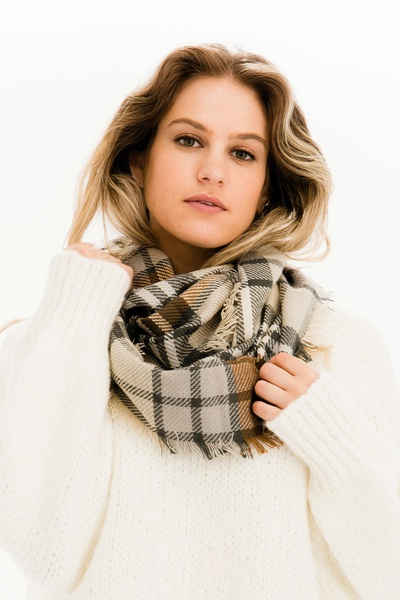 CHIC PLAID INFINITY SCARF