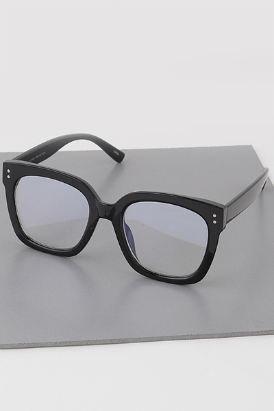 Oversized Square Glasses