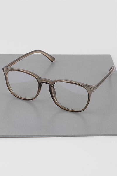Simple Rectangular Glasses