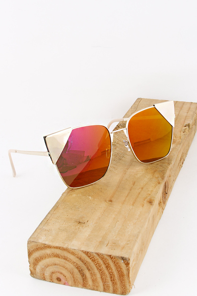 Metal Detailed Pointy Sunglass