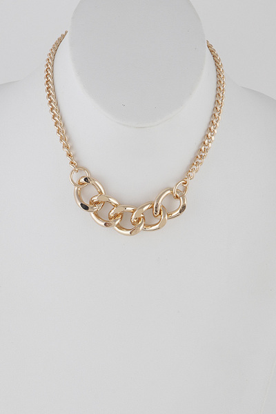 Front Wide Chain Choker Necklace