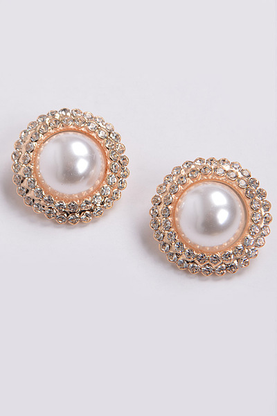 Rhinestone Center of Pearl Detailed Round Stud Earring
