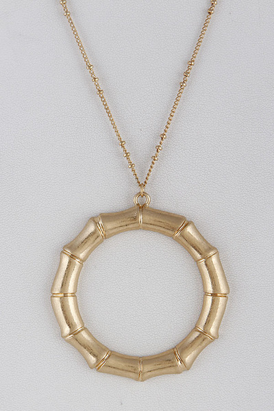 Classic Refined Statement Necklace
