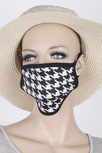 Houndstooth Pattern Mask