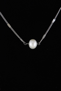 Lovely Pearl Necklace