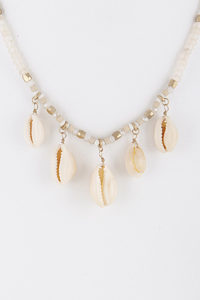 Beaded Seashell Bright Necklace