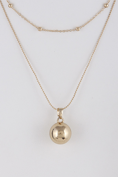 Double Layered Necklace With Circle Pendant